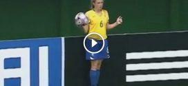Egy brazil lány hihetetlen bedobása a focimeccsen – Ha nem látom, nem hiszem el!
