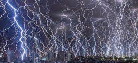 Mintha a világvége jött volna, olyan villámsorfalat fotóztak Indiában