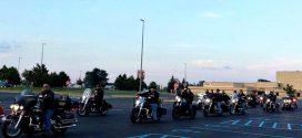 50 jószívű motoros vitte iskolába a srácot, akit zaklattak társai
