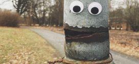 Ilyen vicces tud lenni, amikor szemgolyókat ragasztasz a környezetedben lévő dolgokra