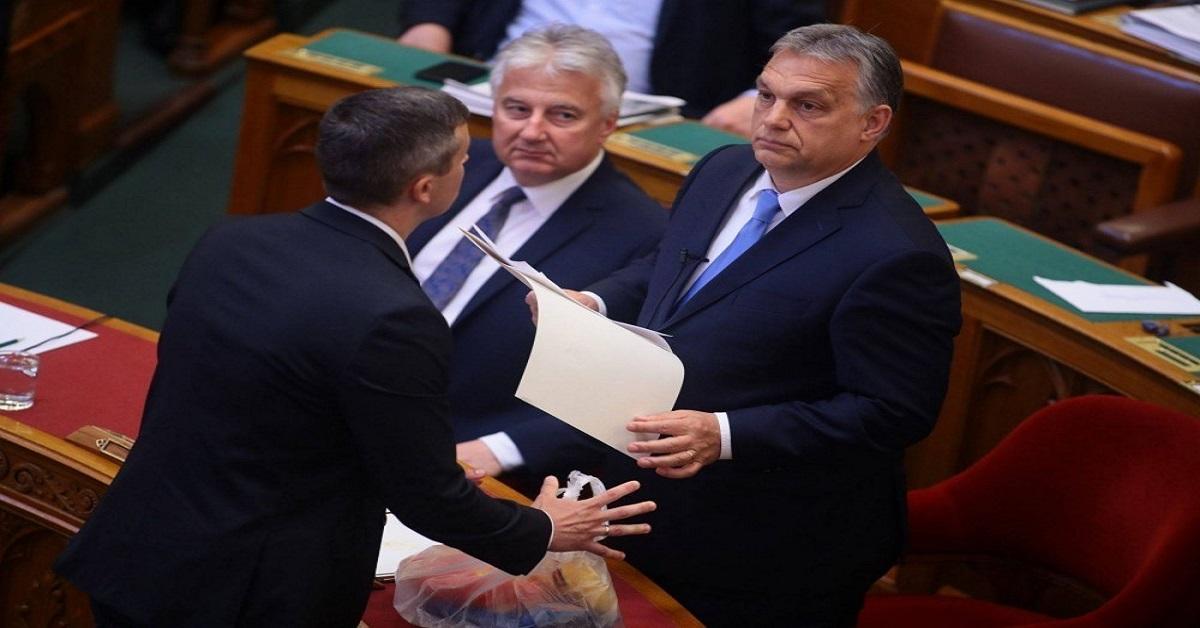 """Teljesen elszabadult a pokol a parlamentben -Orbánnak nekimentek """"Orbánnak üzenem: szórakozz a felmenőiddel, ne a hazáddal!"""""""